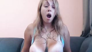 Cute babe with big tits get long orgasm for tips