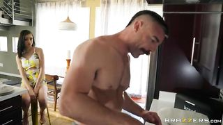 Charles Dera, Scarlett Bloom - Upgrading To An Older Model - Brazzers 2019 - Sd 480p