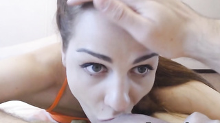 Horny Chick Gives a Hot Cock Deepthroat