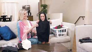 2 moms lesbian video 2019