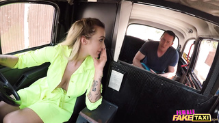 Female Fake Taxi - Babe Rides a Big Cock in her Taxi - Daisy Lee