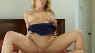 One night stand fuck with Cherie DeVille