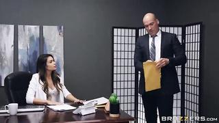Brazzers BTAW - Laid Off (2019) Katana Kombat, Sean Lawless - SD 480p