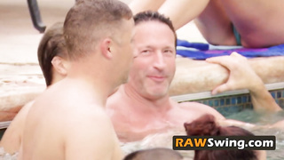 Pussy licking at the pool makes swingers