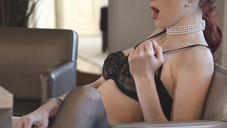 Beautiful MILF played with her pussy
