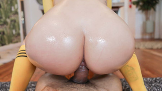 Mesmerizing oily phat booty filled with dark meat
