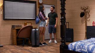 Brazzers - Feels Good To Be Bad - Eliza Ibarra, Seth Gamble - HD Tallier 1080p
