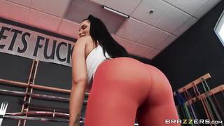 Brazzers BBLIB - Spotting Her Ass (2019) Romi Rain, Xander Corvus