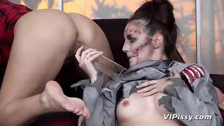 Halloween pissing porn videos 2019
