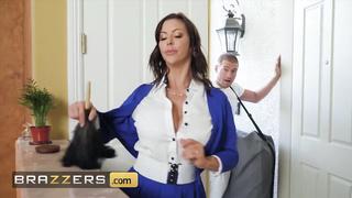 Brazzers - Big Tit MILF Alexis Fawx Cheats with Masseur - Alexis Fawx, Xander Corvus