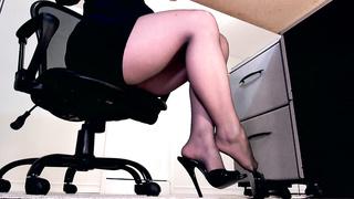 Ignored by sheer black pantyhose feet