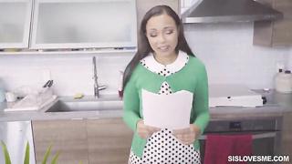 SisLovesMe - The Horny Job Hunter (2019) Adriana Maya