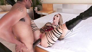 Aj Applegate, dredd goes up aj applegate white tiger ass