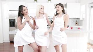 Shake And Bake (2019) Jessie Saint, Judy Jolie, Vanessa Sky - Team Skeet, BFFS