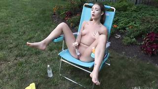 Audrey Hempburne solo pussy toying