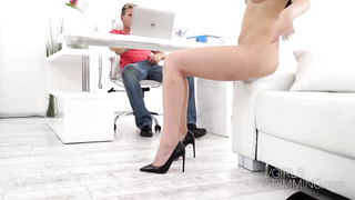 Working rimjob pleasure with skinny brunette Mia Ferrari