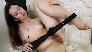 Hairy babe Vita play with pussy