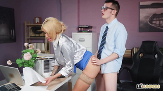 Humped And Focused (2019) Sam Bourne, Alice Judge - Lil Humpers