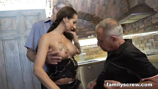 Weird family threesome porn MMF