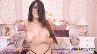 Hot Big Tits Babe Makes Her Pussy Wet