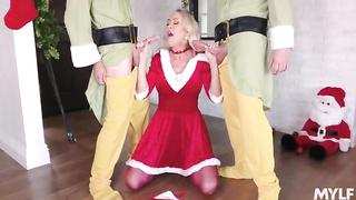 2 Elves fucks sexy Santa Milf - Brandi Love