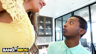 Like LilHumpers porn - Richelle Ryan, Xavier Miller - HD 720p
