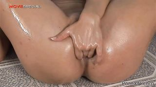 Porn XN - Lea toys her ass with a huge black dildo - Lea Lexis
