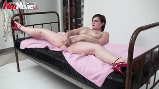 Fun Movies - Chubby brunette chick masturbating -  Flora Tucci