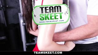 The Real Workout - Clearing Your Head At The Gym - Joseline Kelly - HD