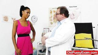 Isabella Chrystin - Ebony wonder taking a good cunt checkup