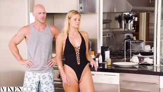 VIXEN - FFM threesome Johnny Sins, Karla Kush and Scarlet Red HD [720p]