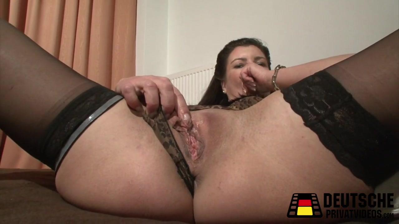 Dildo Birgitta plays with Mature