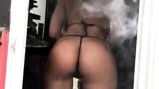 NSFW Sexy barista shaking it