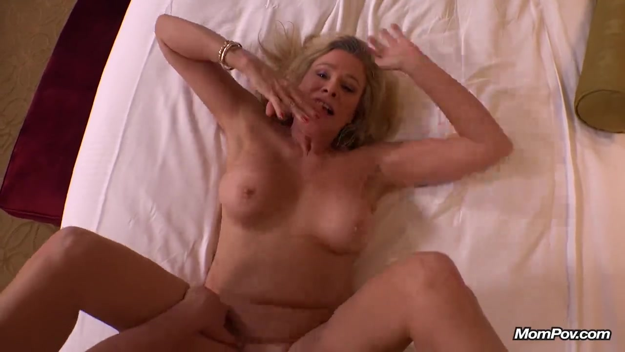 Nude mature women tasteful