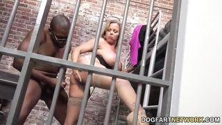 Amber Lynn Bach give Black Prisoner a Good Fuck