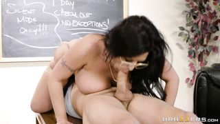 Brazzers - Fucking A Thick Milf In The Library - Tyler Nixon, Sheridan Love - HD [720p]