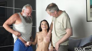 [MMF] Two old grandpas fucks young lewd girl - Anita Bellini