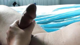 Blondine bekommt beim Arschfick eine heftigen Analorgasmus