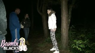 TEEN GOES DOGGING