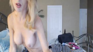 Amateur Hot Sierraluv Loves to Play her Pussy