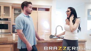 Kyle Mason, Reagan Foxx - Sending Stepmom's Nudes (2018) - HD 720p