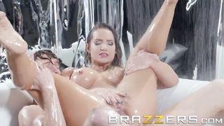 Brazzers 2018 - Holosexual - Cali Carter, Markus Dupree - HD 720p