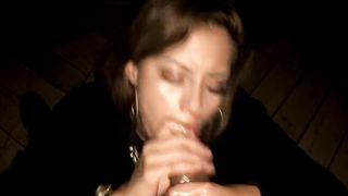 La prostituta mexicana chupa la polla