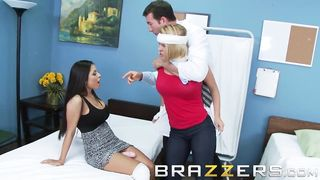 Brazzers - Krissy Lynn & Yurizan Beltran - So, I Married a Dyke