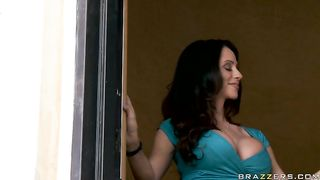 Vanessa Veracruz and Ariella Ferrara hot and mean lesbian scene
