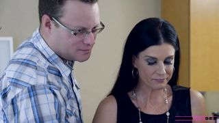 Moms Hot Pie - Logan Long, Emma Hix, India Summer - HQ 720p