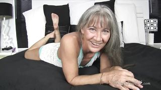 Granny masturbate - Leilanileixxx