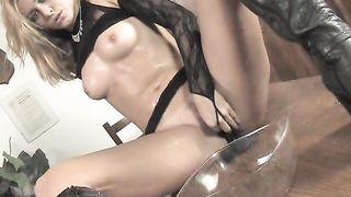 Femanic Elvira 2 piss masturbation solo
