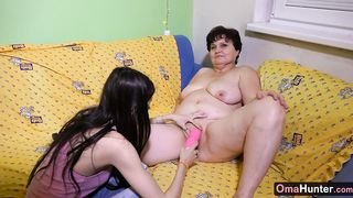 OmaHunter Chubby matures with teen girls and old men