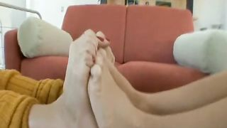 Footsie fetish video - Sammie Rhodes, Roxy Deville